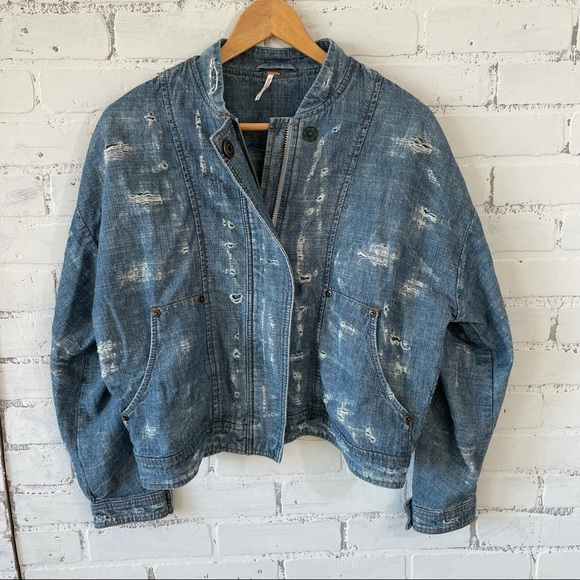 Free People Distressed Denim Bomber Jean Jacket Sz Small Zip and Snap Up Front